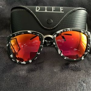 Diff Eyewear Black & White Marble Sunglasses